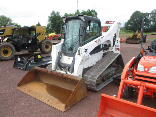 Bobcat Skid Steer T870 T4