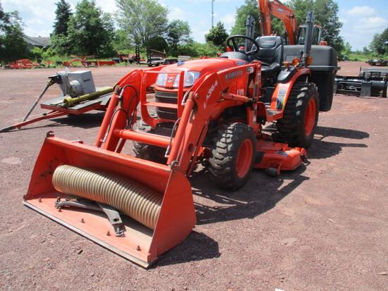 KUBTOA B2620HSD TRACTOR, ldr, mower