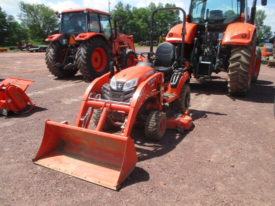 KUBOTA BX2380V TRACTOR/ldr/mower