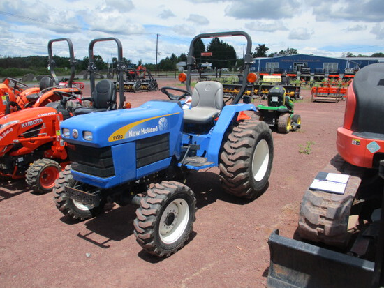 T1510 New Holland Tractor, 4WD