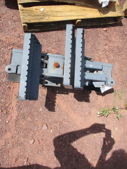 STEPS AND WEIGHT BRACKET FOR TRACTOR.