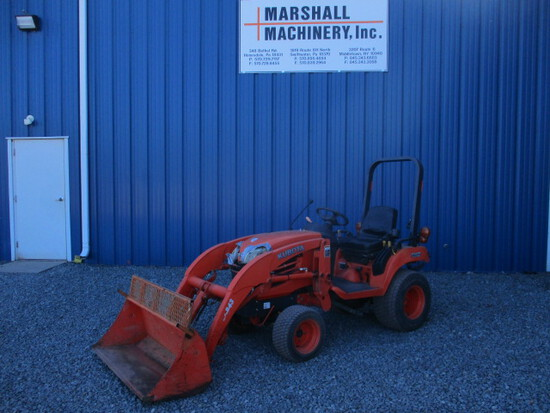 2009 KUBOTA BX2350 TRACTOR and Loader