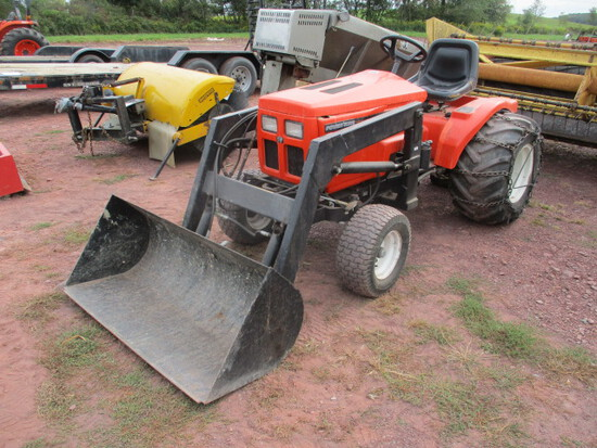 1995 Power King Tractor W/LDR, 4WD