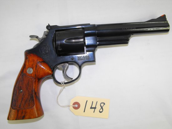 SMITH AND WESSON 29 44 MAG 6-SHOT DOUBLE ACTION REVOLVER