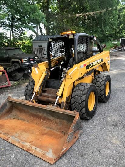 2004 John Deere 270 Skid loader