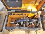 2 Microscopes