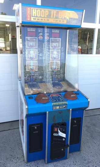 """Hoop It Up"" Basketball Game"