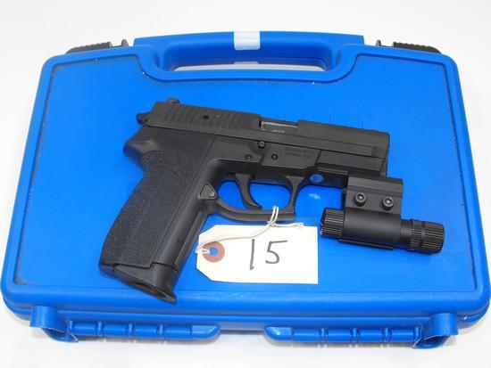 (R) Sig Sauer SP2022 40 Cal Pistol