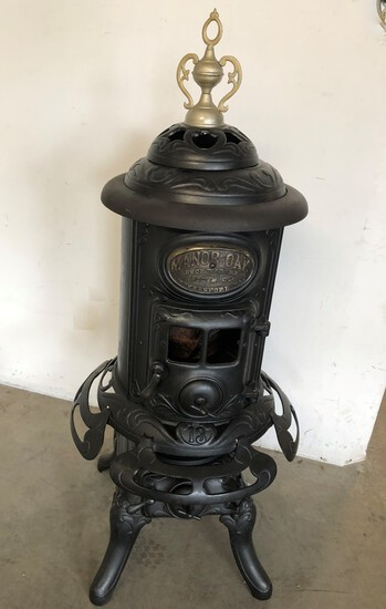 Early Manor Oak Potbelly Stove