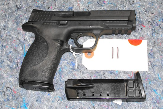 (R) Smith & Wesson M&P40 40 S&W Pistol