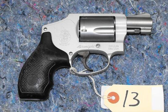 (R) Smith & Wesson 642-2 38 SPL+P Revolver