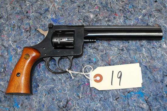 (R) H&R 904 22 LR Revolver