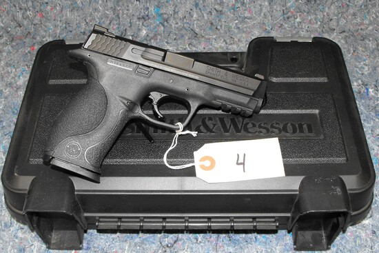 (R) Smith & Wesson M&P9 9MM Pistol