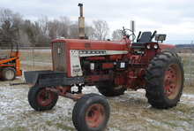 Farmall 706 Diesel tractor, wide front, with glow