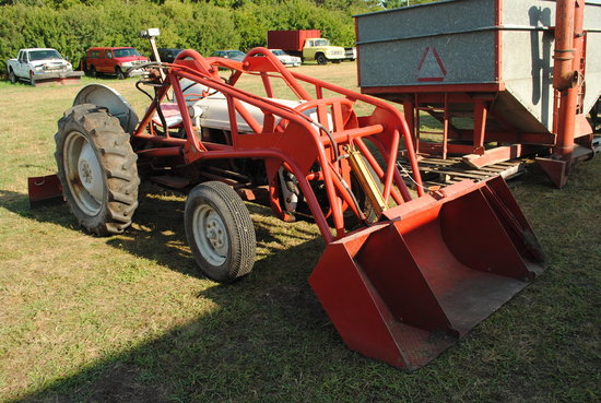 Ford 8n Tractor Wide Front With Wagner Iron Works Loader 6 Pivoting Back Blade Fenders 12 4 2 Farm Machinery Implements Tractors Online Auctions Proxibid