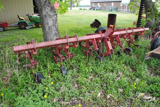 4-Row cultivator