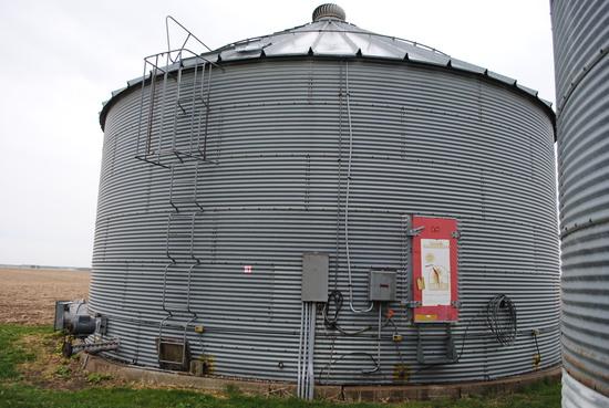 Grain bin 36' wide 6-ring high, with bin sweep & electric motor drying bin, current owner will disco