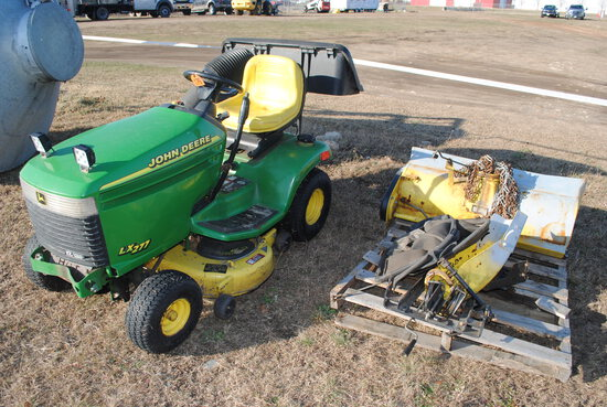 "John Deere LZ277 Mower with bagger, snow blower, 17HP v-twin, 42"" deck"
