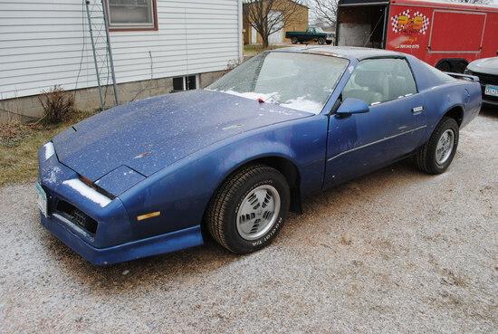 1984 Pontiac Firebird, project car, needs engine, engine is stuck, wiring harness is ba under the ho