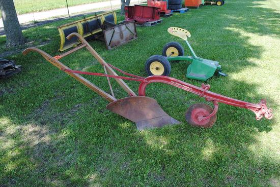 IH 1-Bottom Walking Plow