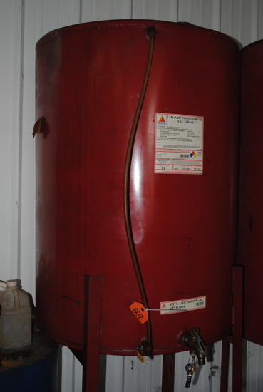 180+/- Gallon Oil Tank on Stand