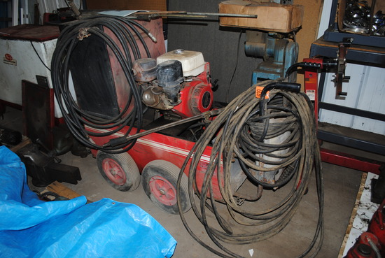 Specialty Equipment Company Hot Pressure Washer with 11HP Honda gas motor