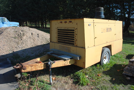 Leroi 260 CFM Tow-behind Air Compressor, John Deere diesel, needs repair, cylinder liner is cracked,