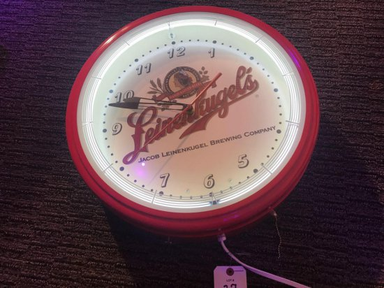 Lienenkugal Lighted Clock