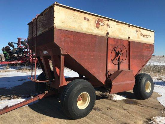 M&W 5200 Gravity Wagon