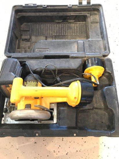 DeWalt DW 936- 5'' cordless 18 V trim saw