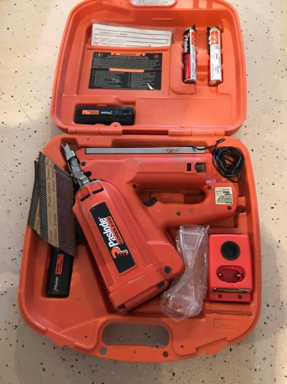 Paslode cordless 30 DEG framing nailer with hard case, batteries and charger