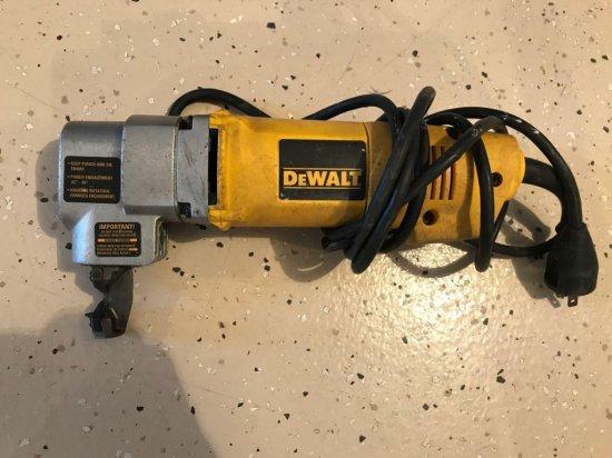 DeWalt DW 897 - 16 gauge electric nibbler, No case