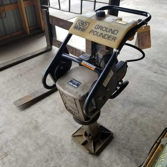 MBW Ground pounder pedestal compactor, gas engine. Like new
