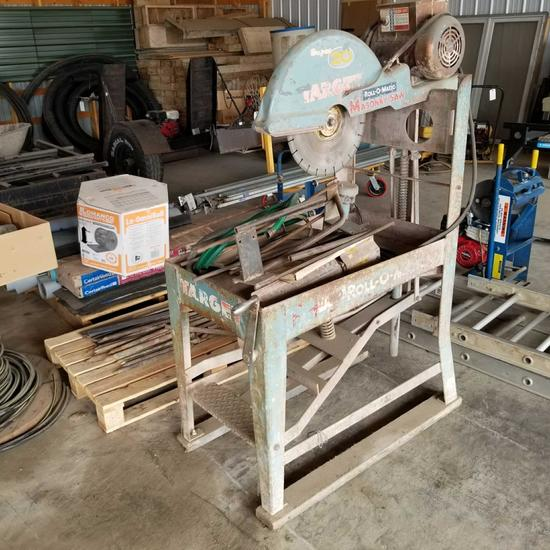 Target brick/block saw with stand, blade, electric motor 20''