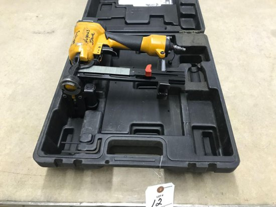 Bostitch air paper nailer, 3/4''- 1 1/2'', with case. Works well