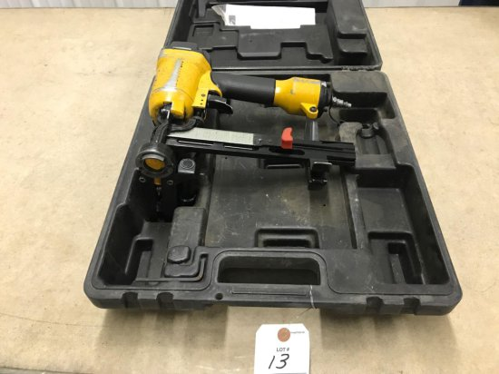 Bostitch air paper nailer, 3/4''-1 1/2'', with case. Works well