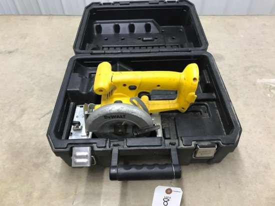 DeWalt 5'' cordless saw in hard case. no battery or charger.
