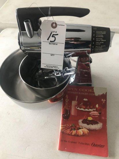 Sunbeam MixMaster mixer w/ bowls and beaters. - NO SHIPPING