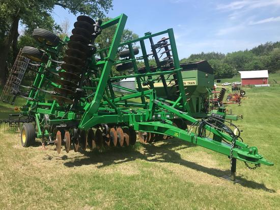 "2013 John Deere 2310 mulch finisher, 27' 9"", one owner, 4,000 acres, new shovels, with rolling"