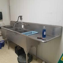 3 Compartment Stainless Sink/ Faucets/ Dispensor