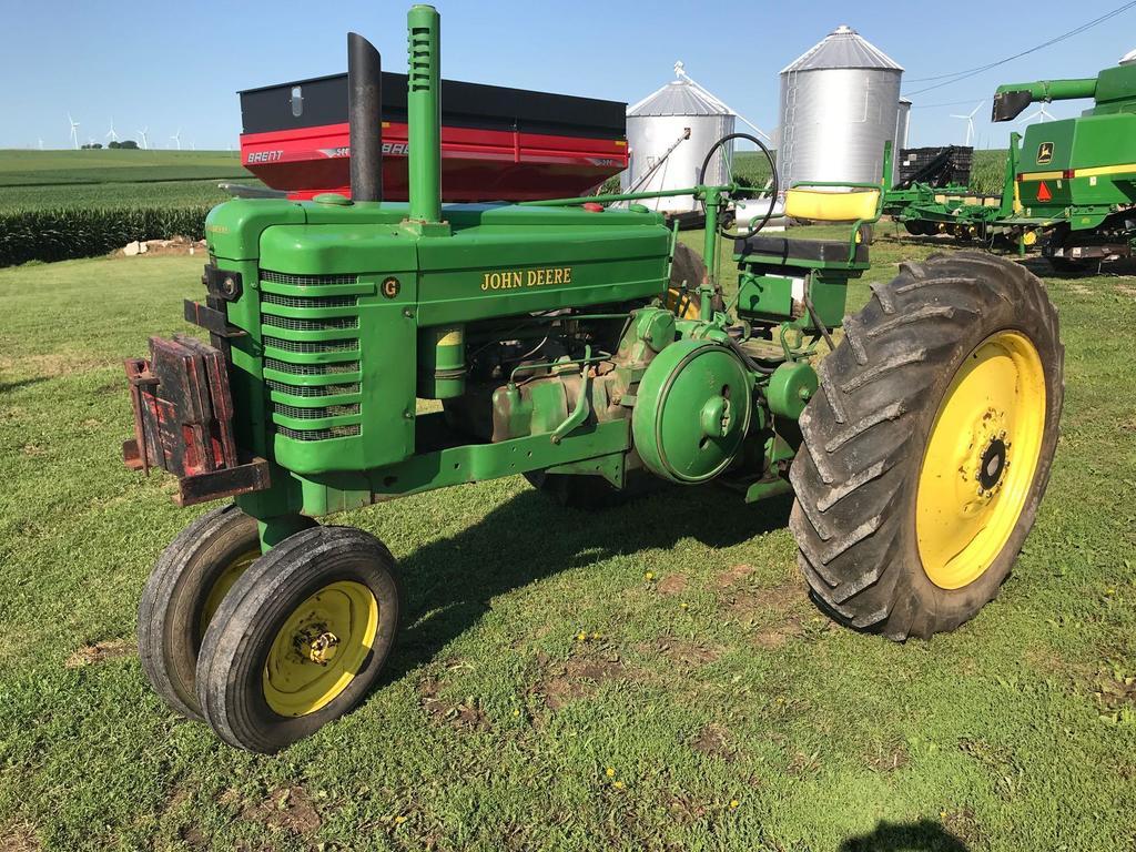 1946 John Deere G Tractor
