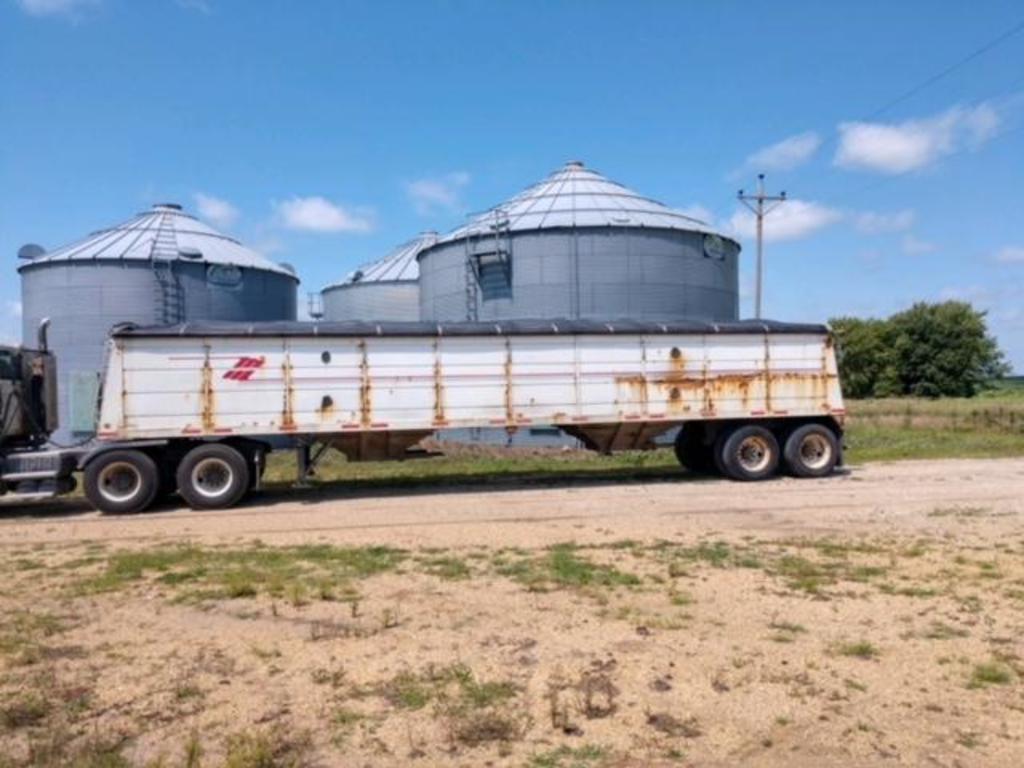Maurer Grain trailer w/tarp