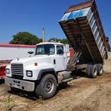 1998 Mack Tandem Axle Forage/Gravel Truck