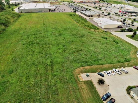 5607 1/2 Sunnybrook Dr, Sioux City, IA