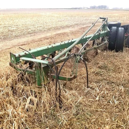 Oliver 546 Steerable Plow 6 Bottom