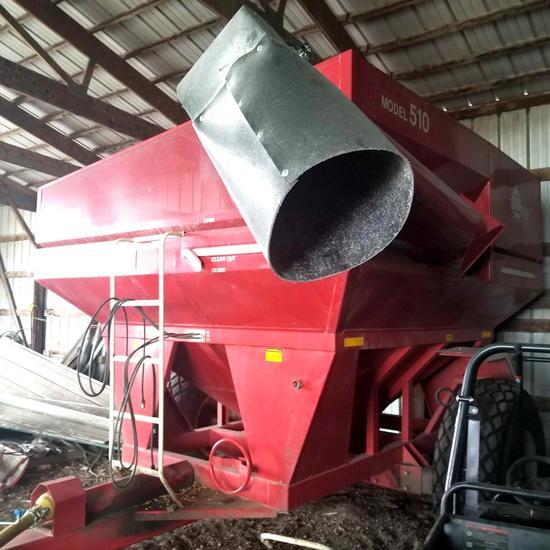 EZ Trail 510 Grain Cart 500b.