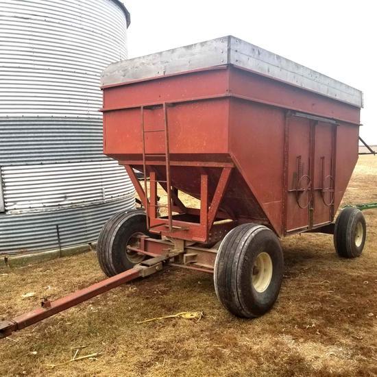 M&W 400 Little Red Gravity Wagon