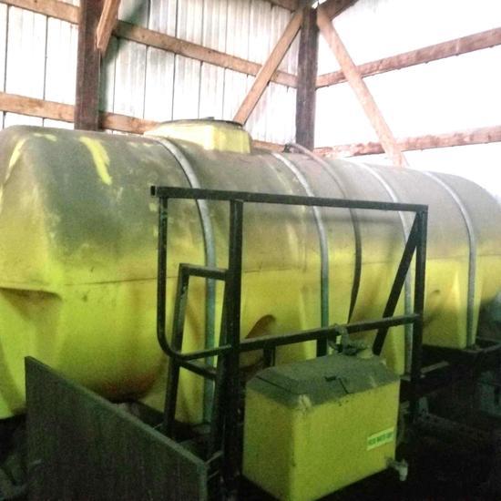 80' 3 pt. Boom w/1000 gal. Poly Trailer Tank