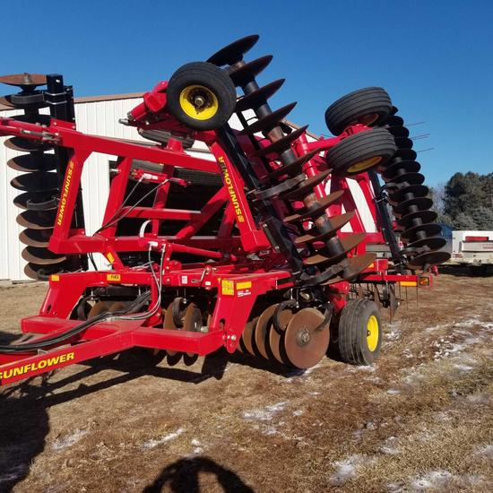 Sunflower 1435 Disk Harrow 26' Hydraulic Fold Rock Flex 3 Bar Coil Tine Harrow