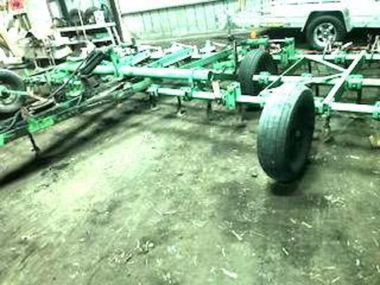 Deutz-Allis 1200 Pull Type Field Cultivator, 21' Hydraulic Fold w/4 bar Wilrich mulcher